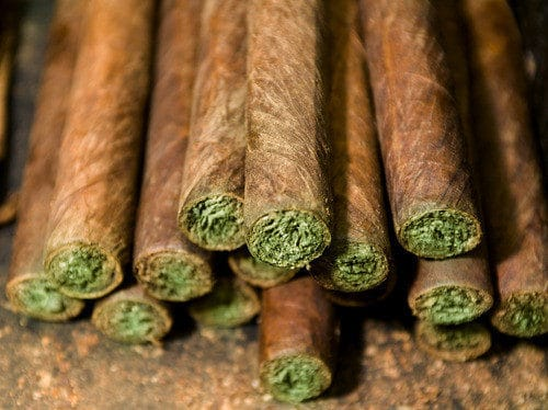 Blunt Vs Joint What S The Difference Honest Marijuana
